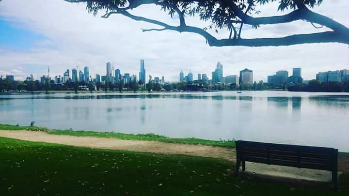 lake-and-view-of-city-at-albert-park-melbourne