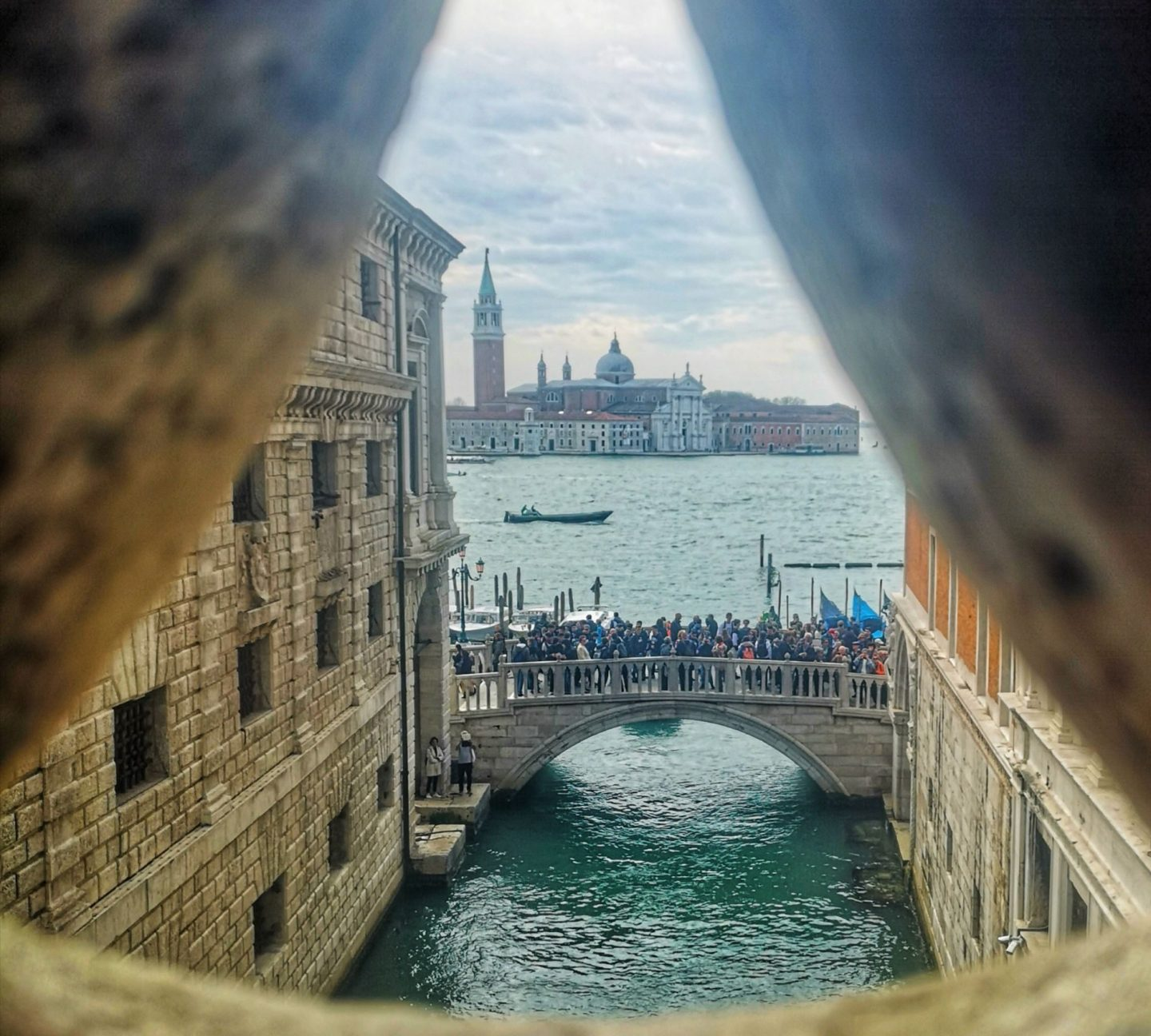 New Shades of Hippy - Anneka Nicholls - travel blog and green living - 24 hours in Venice, Italy - Inside the Bridge of Sighs, Venice