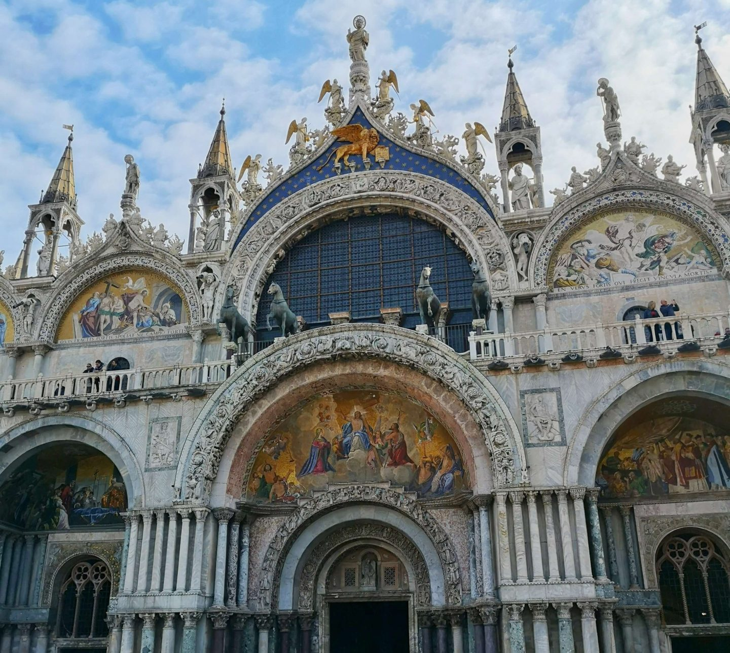 New Shades of Hippy - Anneka Nicholls - travel blog and green living - 24 hours in Venice, Italy - Saint Mark's Basilica, Venice