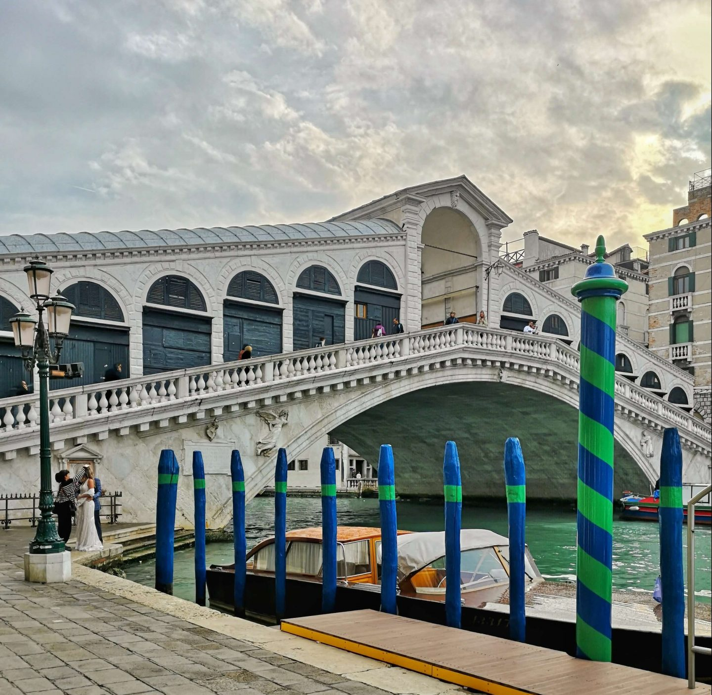 New Shades of Hippy - Anneka Nicholls - travel blog and green living - 24 hours in Venice, Italy - Rialto Bridge, Venice